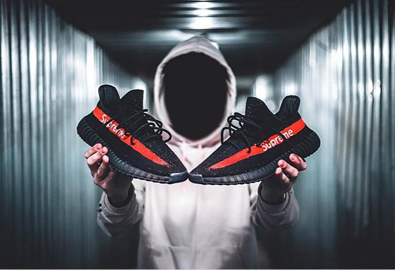 Supreme 聯名adidas Yeezy Boost 350 V2