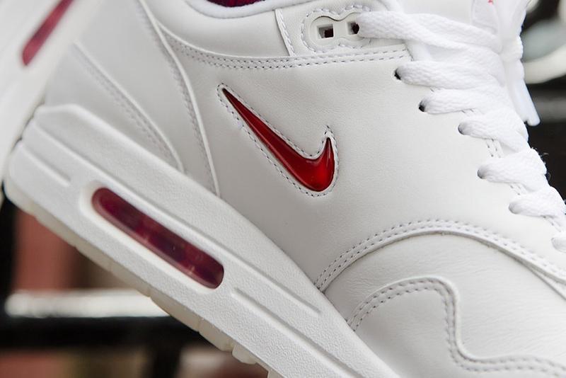 20 张 Nike Air Max Jewell 图板中的最佳图片
